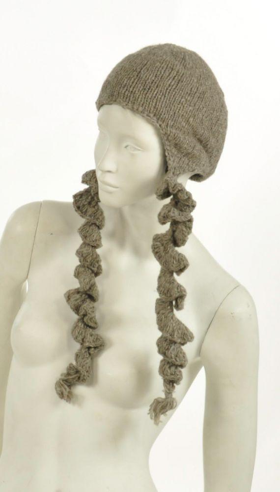 Bonnet plitz en laine à longues tresses gris 243908