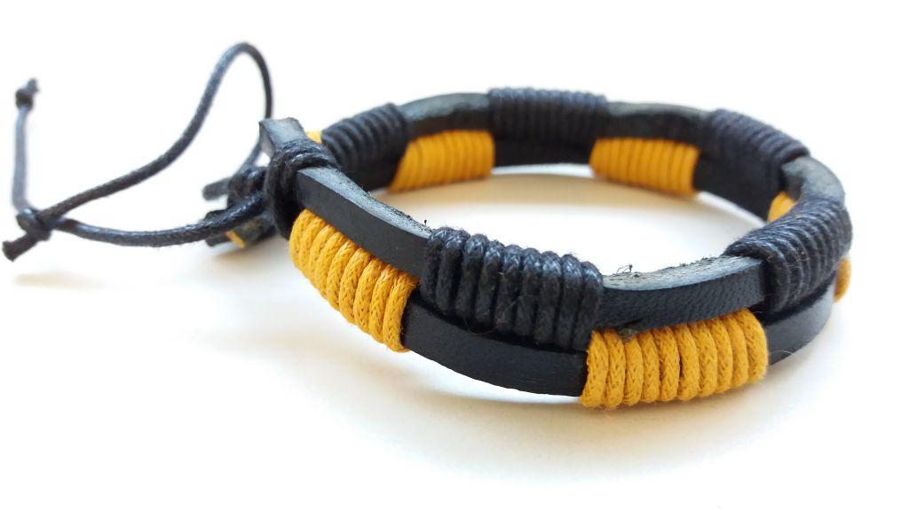 Bracelet en cuir de vache jaune et noir