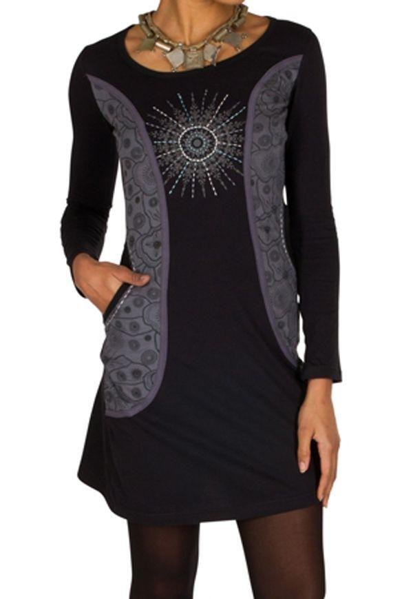 Robe courte à manches longues Noire imprimée avec poches et col rond Emy 301192