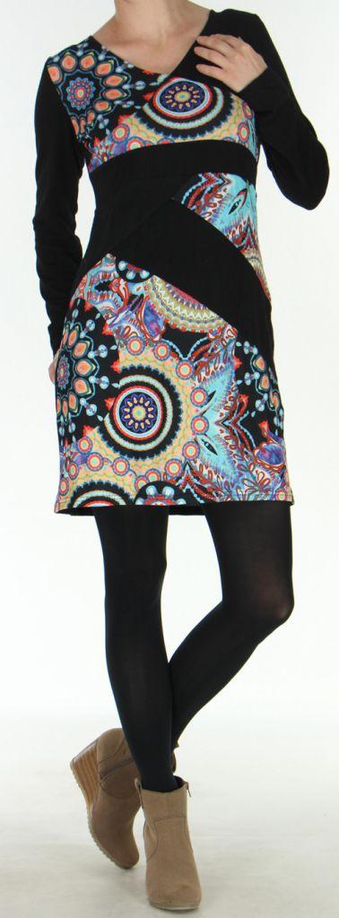 Robe courte d'hiver Ethnique et Colorée Naelle Noire 275907