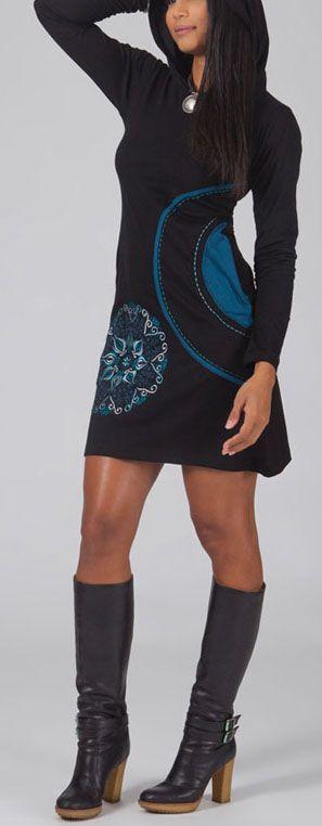 Robe courte noire et bleue à capuche imprimée ethnique Assia 274179