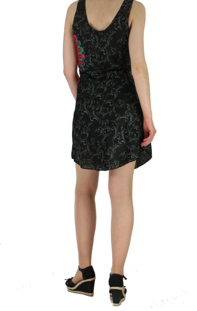 Robe imprimée rosace noire dina 260638