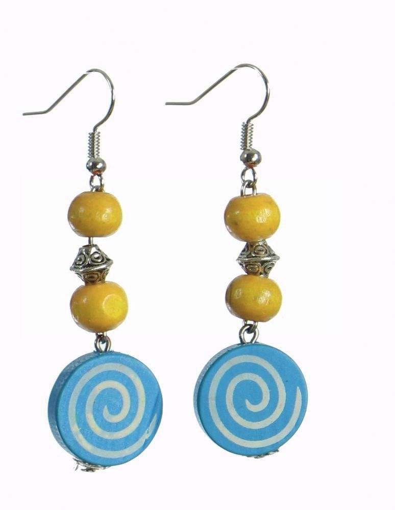 Boucles d'oreilles en bois spirale colorée bleue n°90 304086