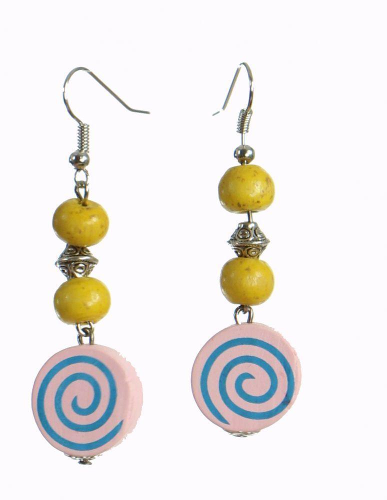 Boucles d'oreilles en bois spirale colorée rose n°19 249963