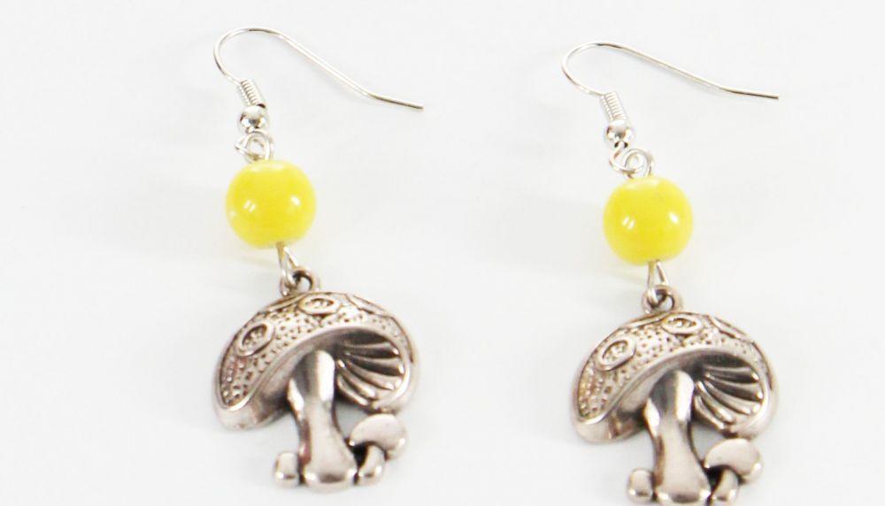 Boucles d\'oreilles pendentif champignon perle jaune 246452