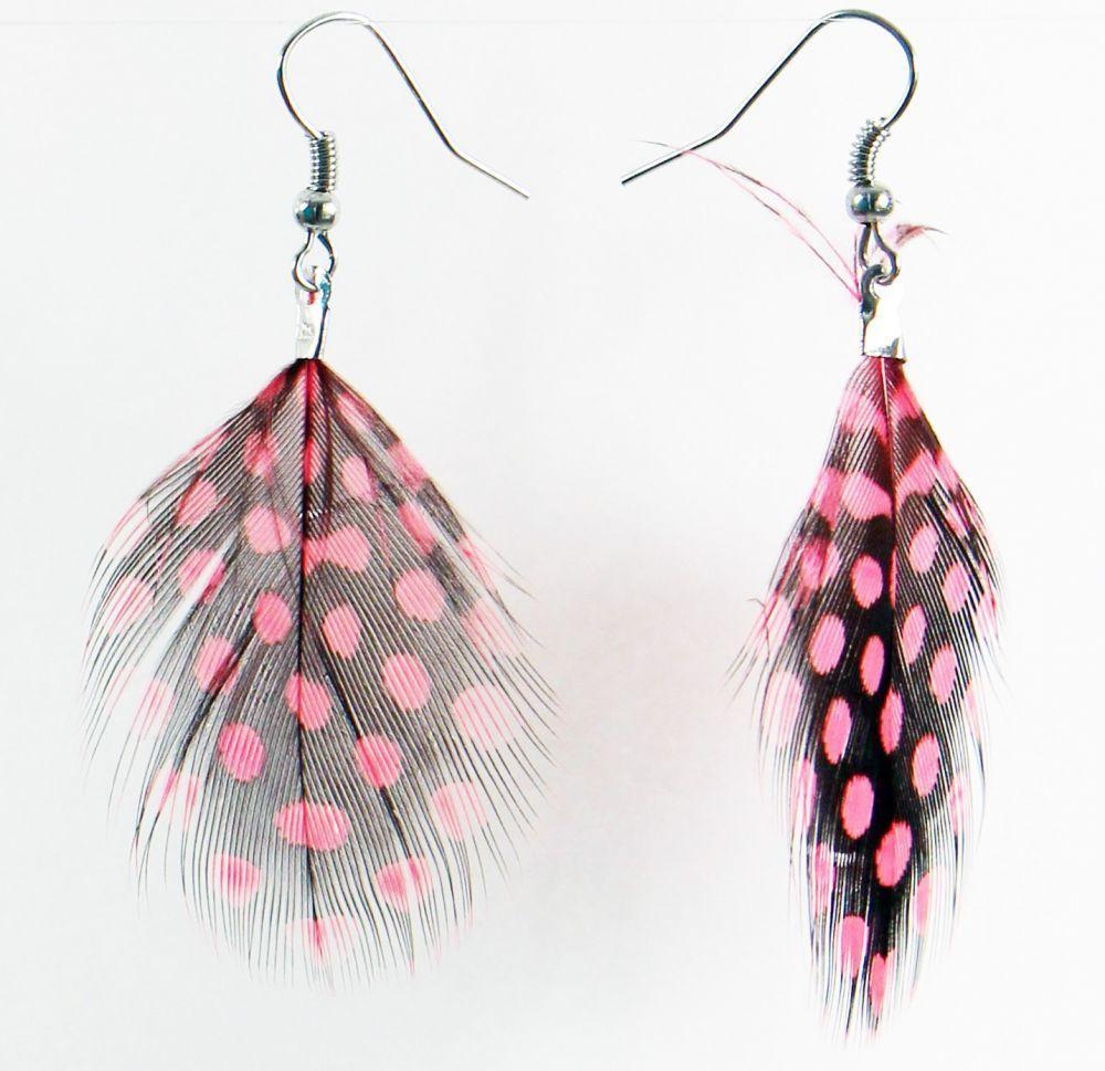 Boucles d'oreilles petite plume colorée rose pâle 246951