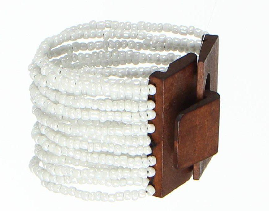 Bracelet multirangs de perles en acrylique blanches avec fermoir en bois 247602