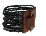 Bracelet multirangs de perles en acrylique noires avec fermoir en bois 247607