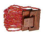 Bracelet multirangs de perles en acrylique rouges avec fermoir en bois 247605