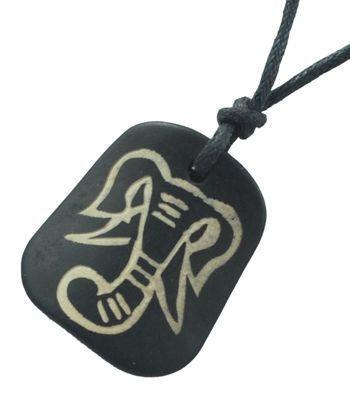 Collier avec pendentif en résine imitation os logo tête éléphant 246688