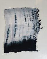 Grand foulard star blanc et noire 303577