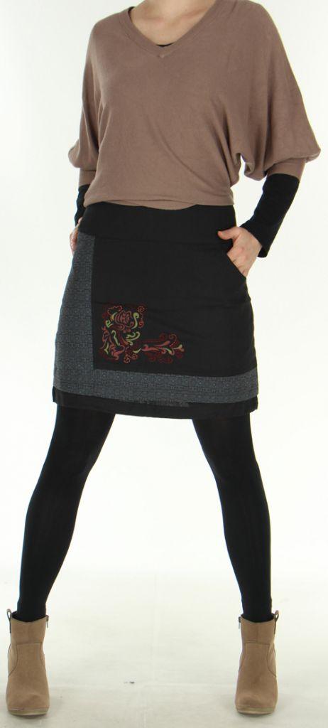 013eeda057c8 jupe-courte-d-hiver-ethnique-et-originale-sylvia-noire