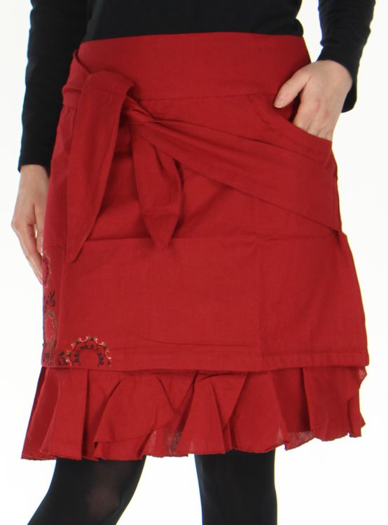 jupe d hiver tres originale et imprimee marange rouge. Black Bedroom Furniture Sets. Home Design Ideas