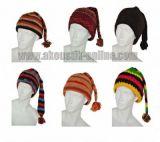 Lot de 10 bonnets en laine doublés polaire. 240619
