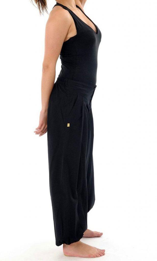 Pantalon femme de couleur noir avec une coupe droite Colmine 305456