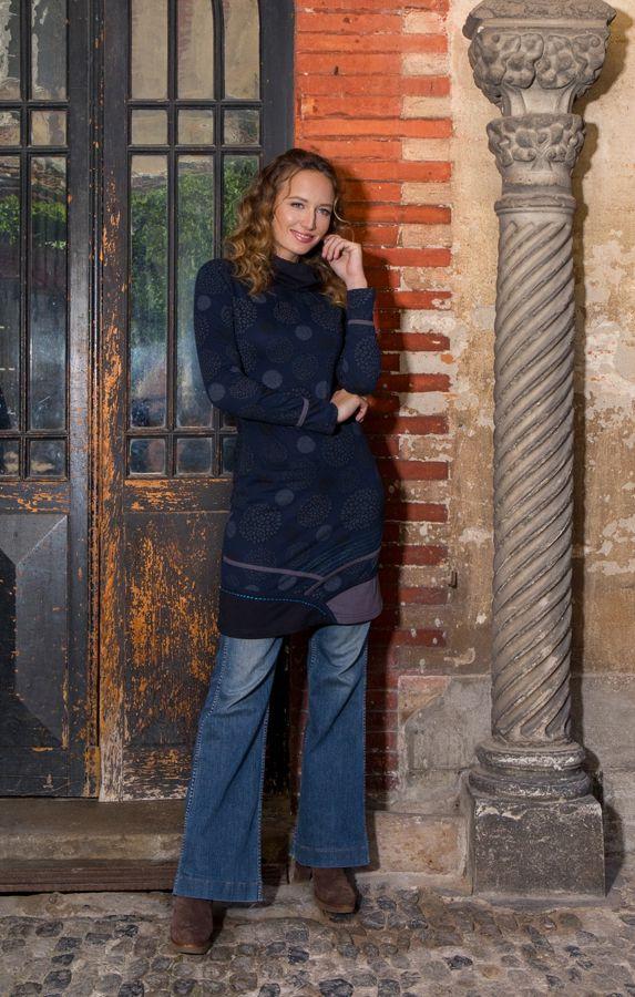 Robe à manches longues Bleue marine mi-cuisse imprimée et avec col roulé Dorine