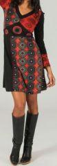 Robe courte à col V ethnique et originale Noire et rouge Léonie 273940