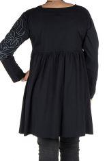 Robe courte brodée et surpiquée à la main avec col carré Gimina 302072