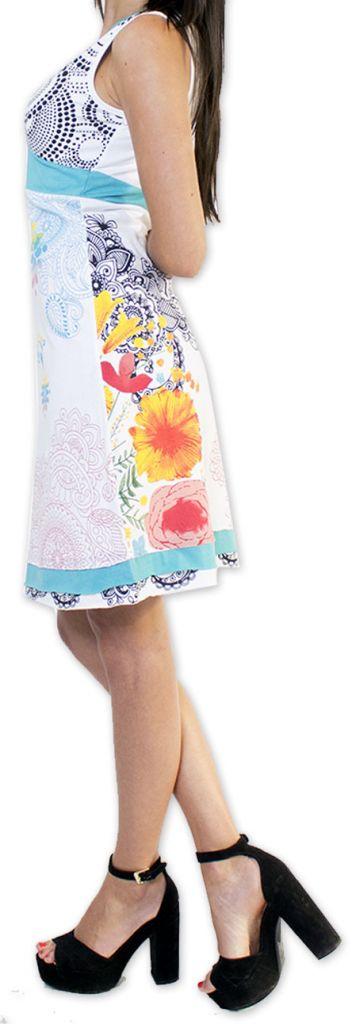 Robe courte col V ethnique et originale Blanche Serrena 273625