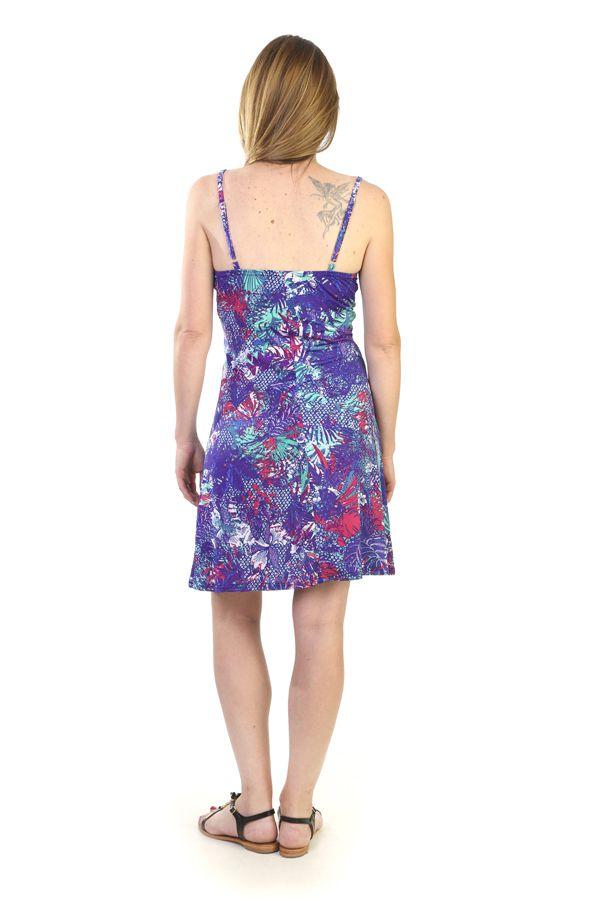 robe courte d 39 t avec un motif floral bleu. Black Bedroom Furniture Sets. Home Design Ideas