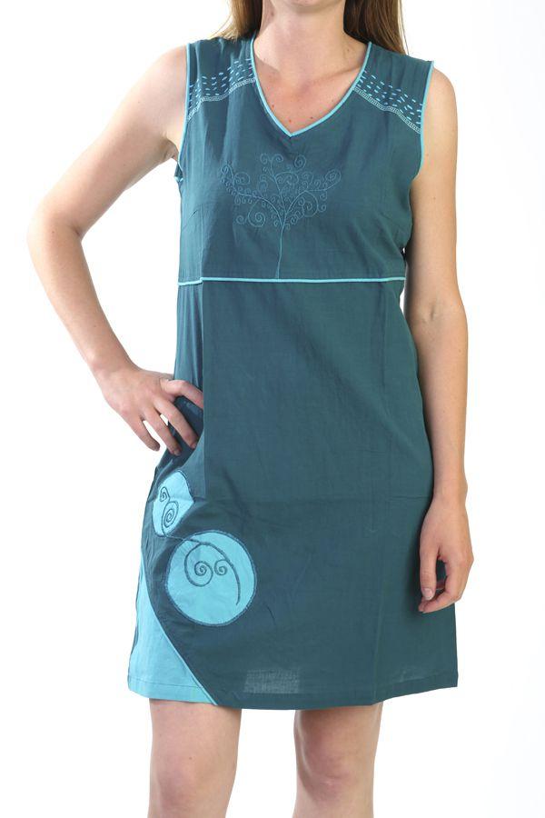 robe printani re originale et tendance de couleur bleue. Black Bedroom Furniture Sets. Home Design Ideas