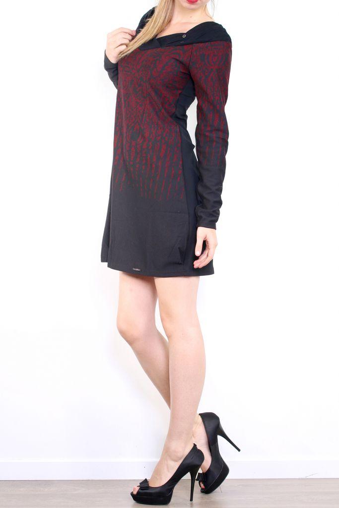 Robe courte d'hiver à manches longues avec un imprimé Mina Bordeaux 302978