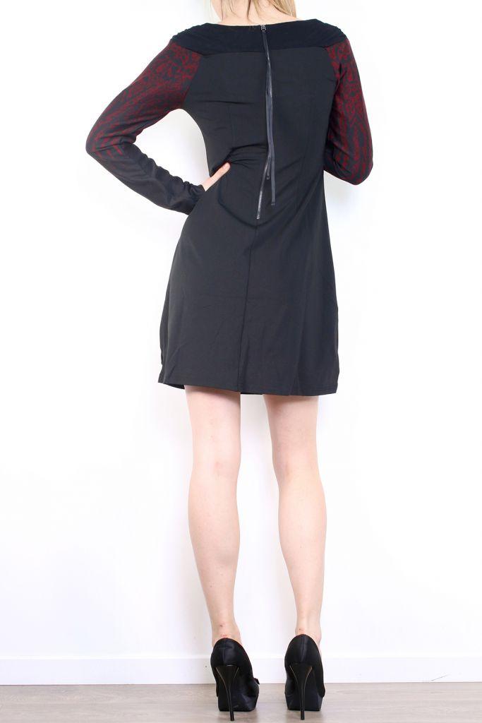 Robe courte d'hiver à manches longues avec un imprimé Mina Bordeaux 302979