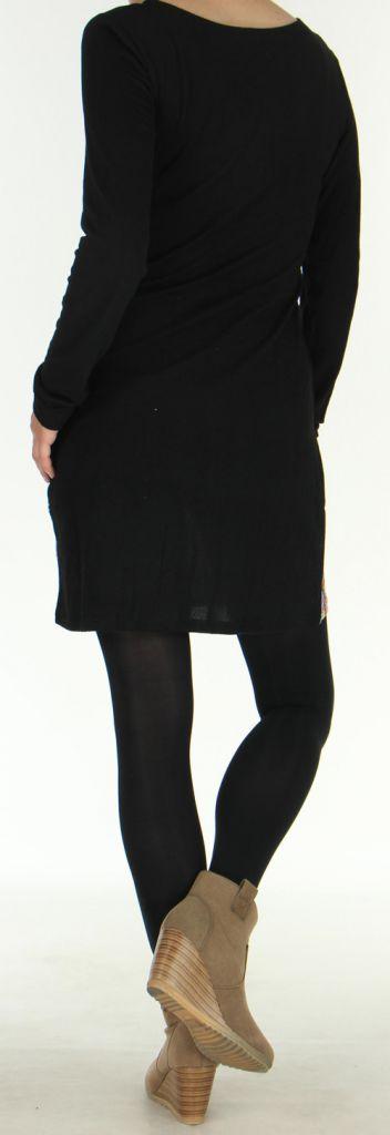 Robe courte d'hiver Ethnique et Colorée Naelle Noire 275908