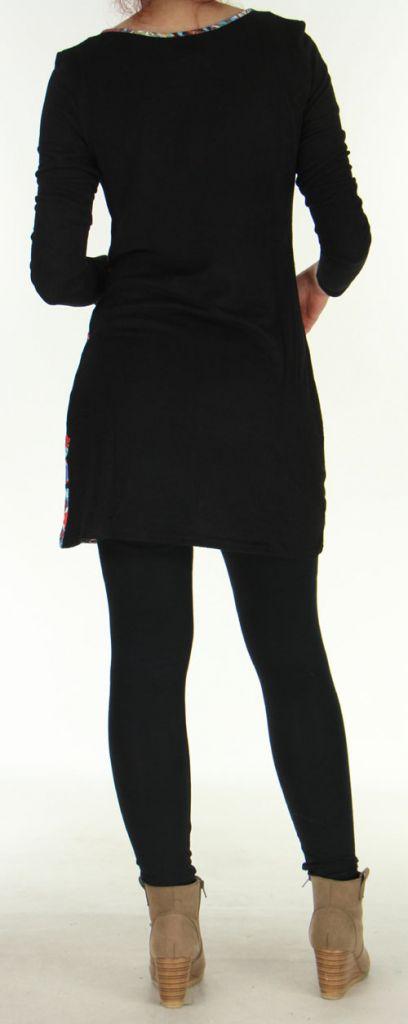 Robe courte en Maille Ethnique et Colorée Thélya Noire 276391