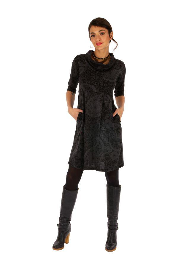 Robe courte ethnique au col boule parfait pour l'hiver Uma 312638