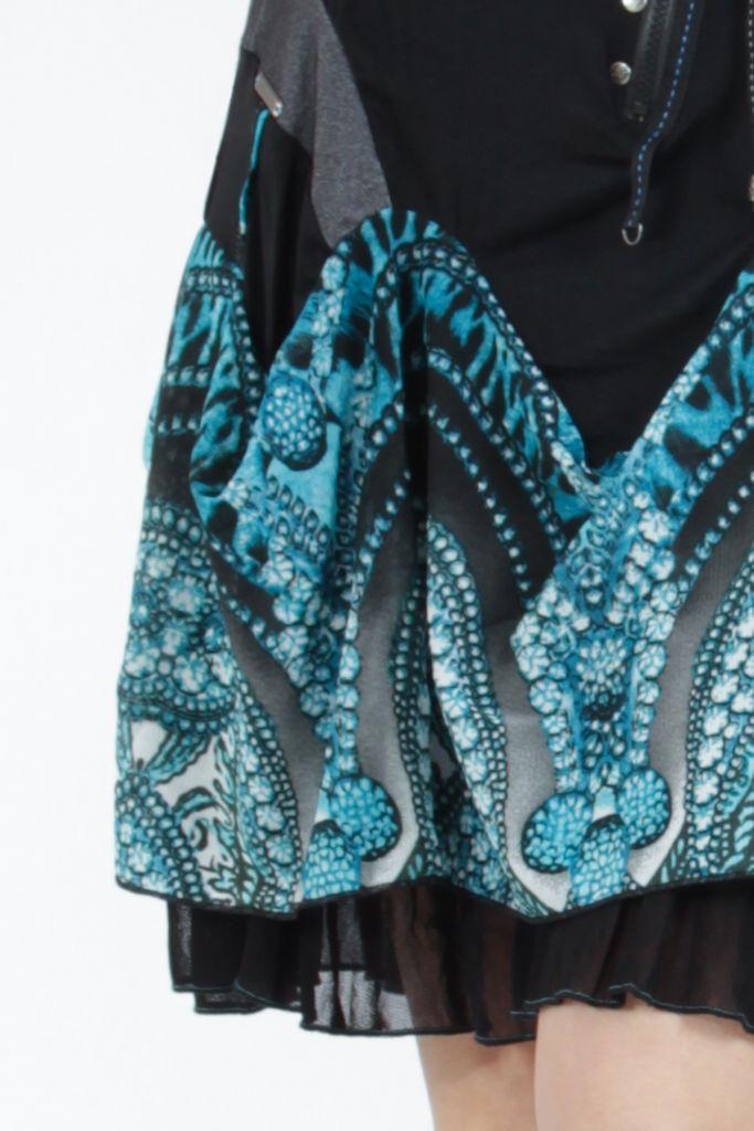 Robe courte féminine et originale noire et bleue Yaki 305174