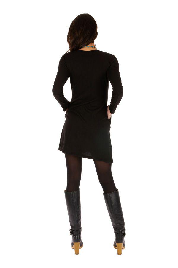 Robe courte noire à poches ethnique et originale Okondja 312703