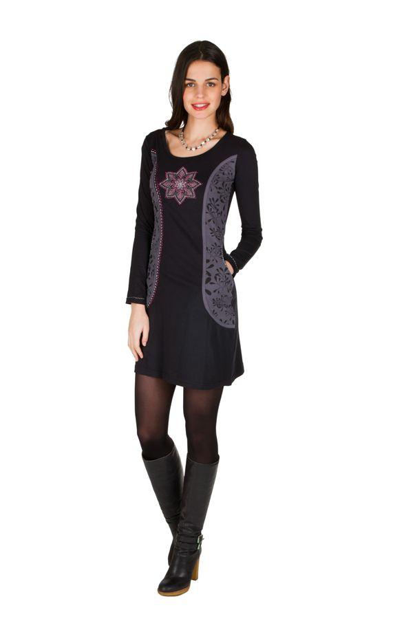 Robe courte noire et imprimé coloré 301201
