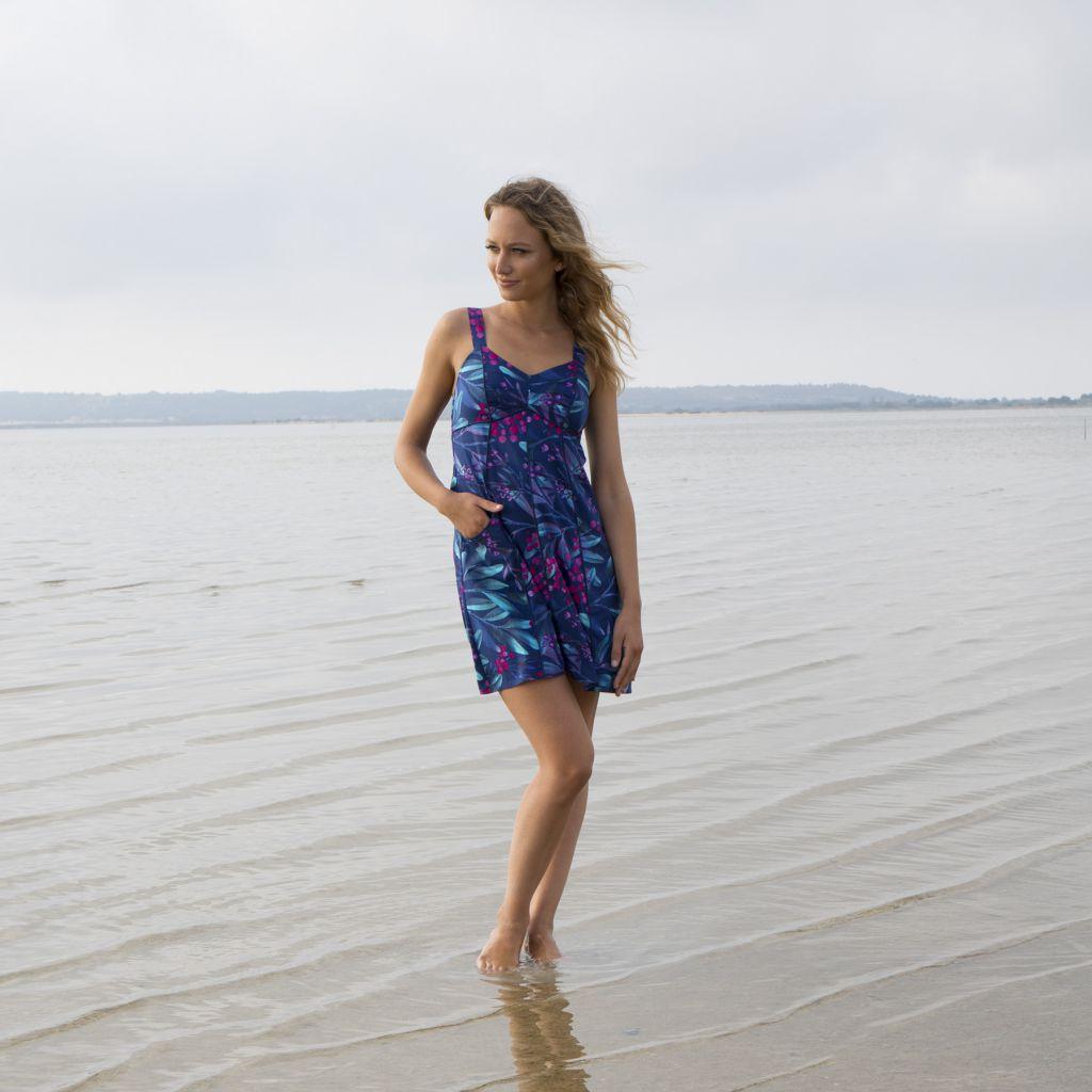 Robe courte pour l'été de couleur bleu avec un motif floral casuali 316837