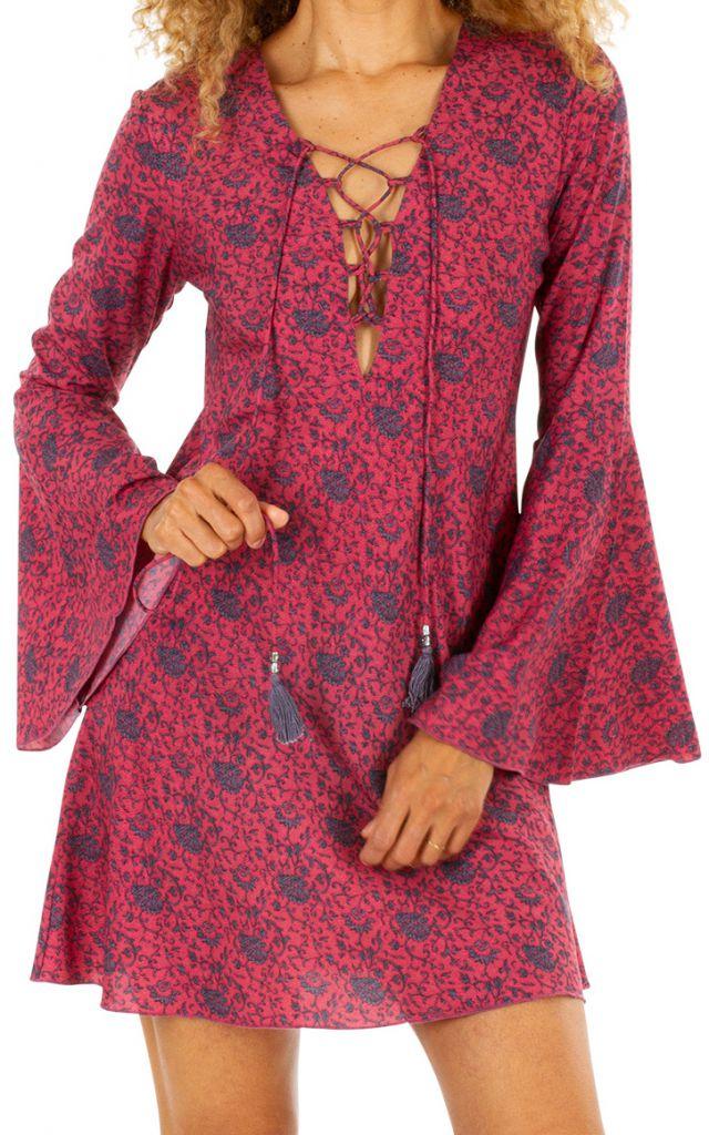 Robe courte rose décolletée v plongeant et manches longues évasées Ida