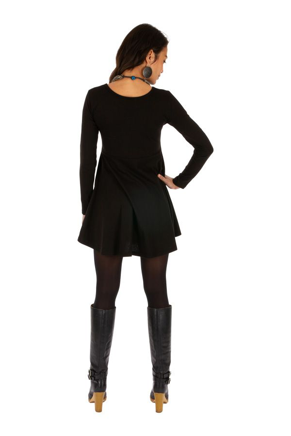 Robe d'hiver ethnique noire à manches longues Boende 313945