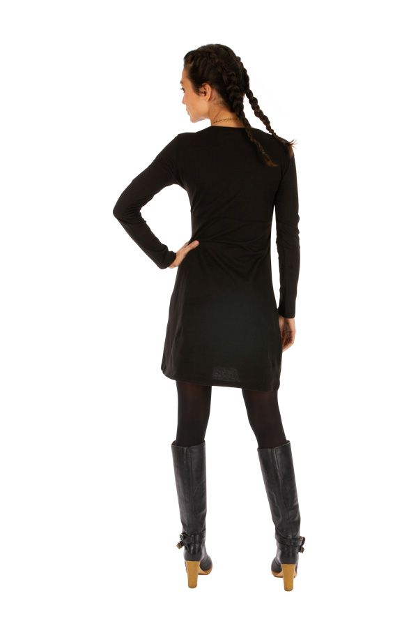 Robe droite courte noire ethnique au motif coloré Lakota 314049
