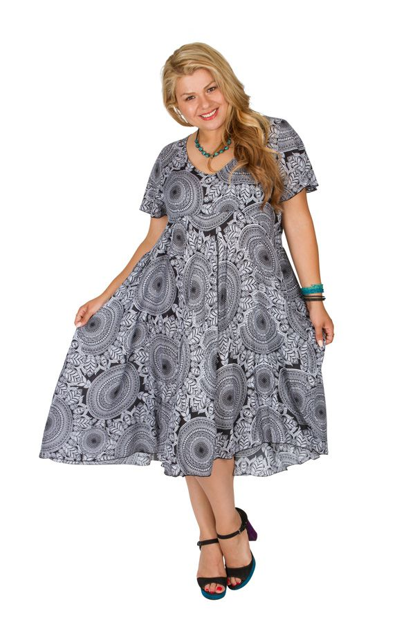 Robe femme grande taille ethnique-chic pour un look urbain Siya 306400