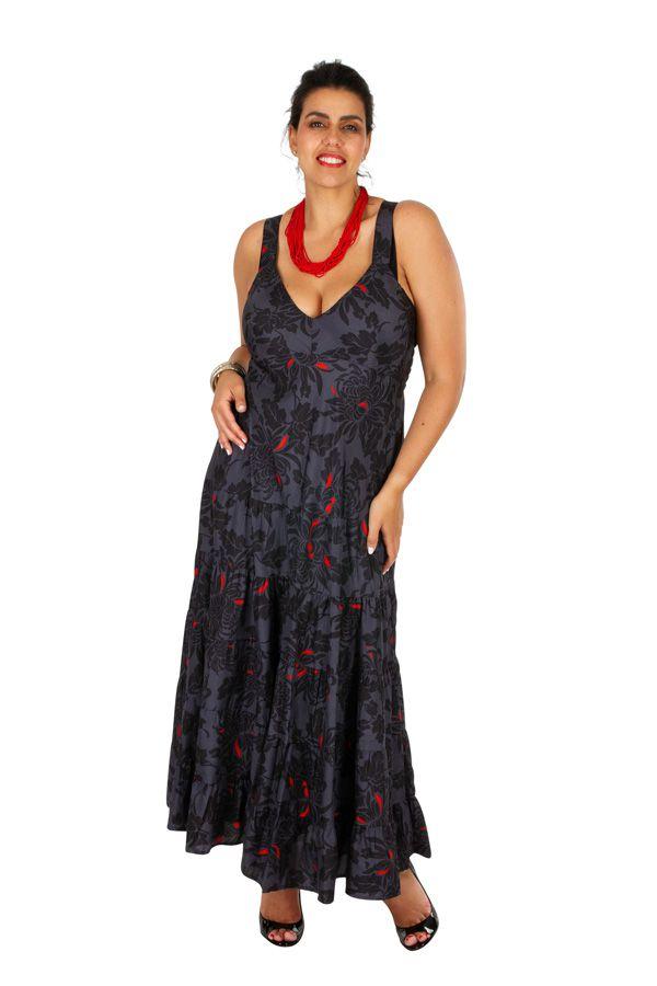 Robe longue féminine grande taille avec un décolleté Sitta 307945