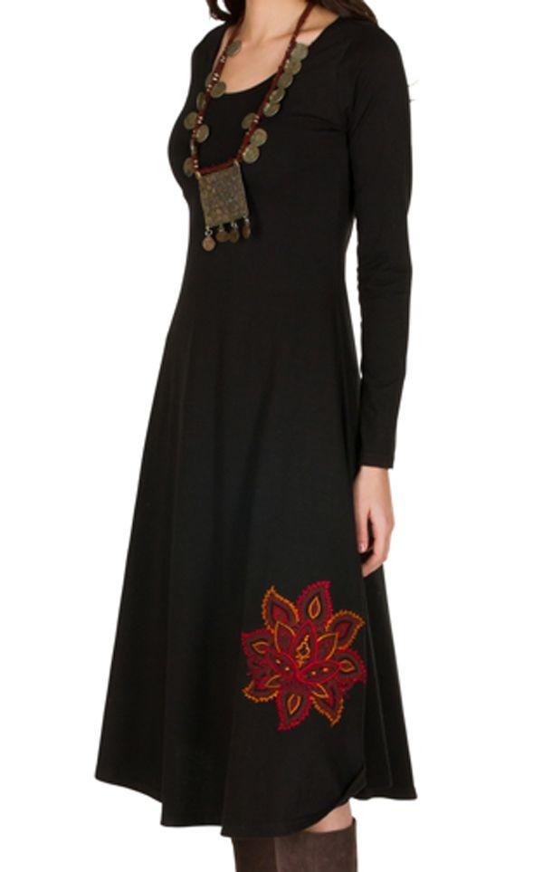 Robe longue Noire avec broderies col rond et manches longues Amane 300999