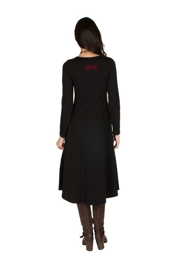 Robe longue Noire avec broderies col rond et manches longues Amane 301002