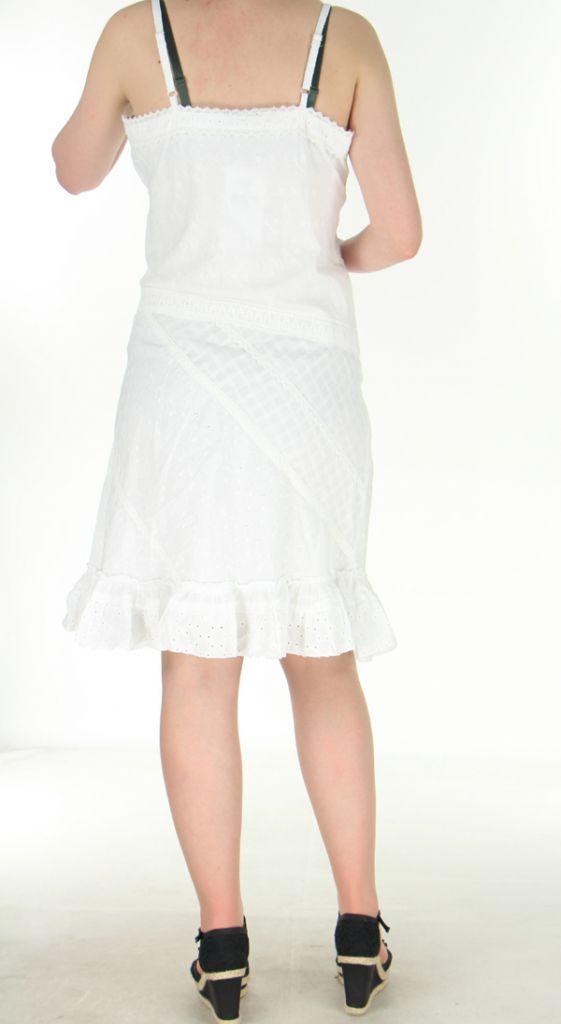 robe mi longue d 39 t agr able et brod e orlanda blanche. Black Bedroom Furniture Sets. Home Design Ideas