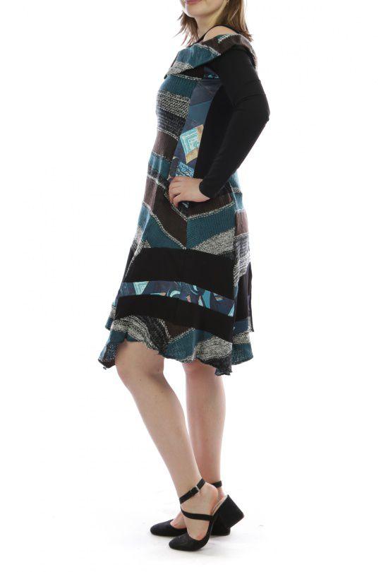 Robe mi-longue d'hiver originale en laine noire et bleue 302584