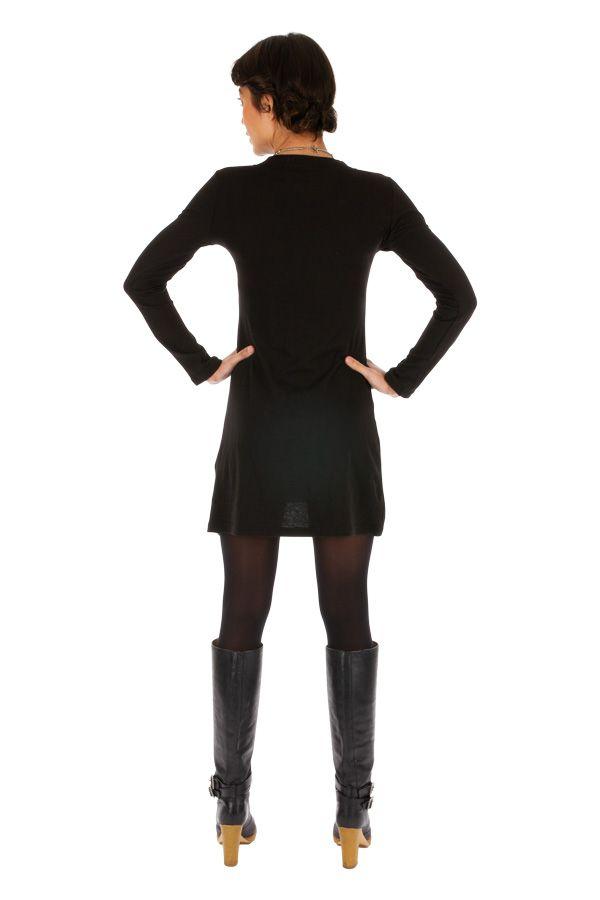 Robe noire au col en V ethnique et tendance Fomboni 313912