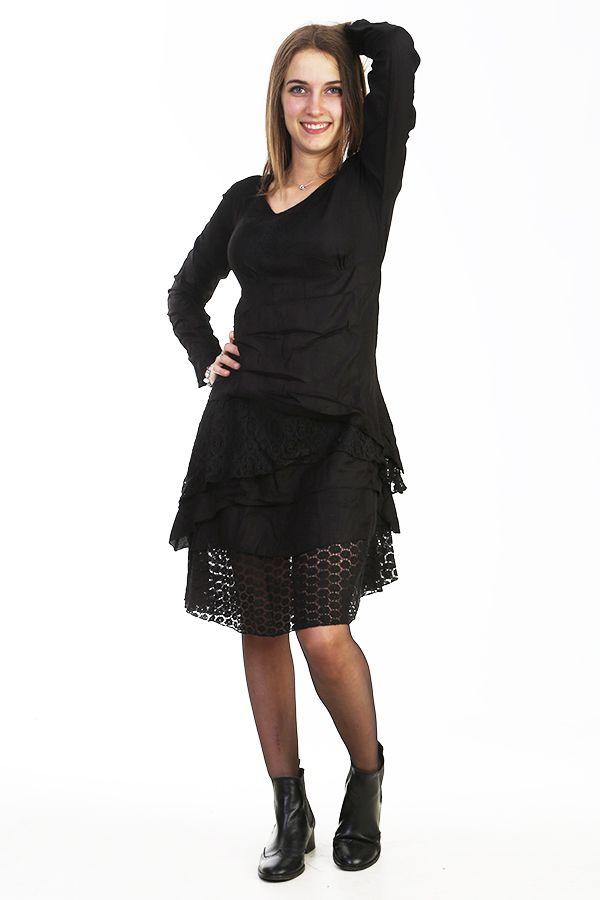 Robe noire bohème avec de la dentelle et des broderies 288068