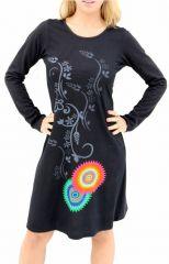 Robe noire d'hiver avec une touche de couleur ethnique Inda 304526