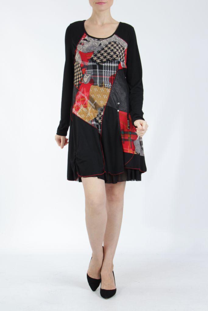 Robe noire et rouge avec des empiècements de tissus Inem 305042