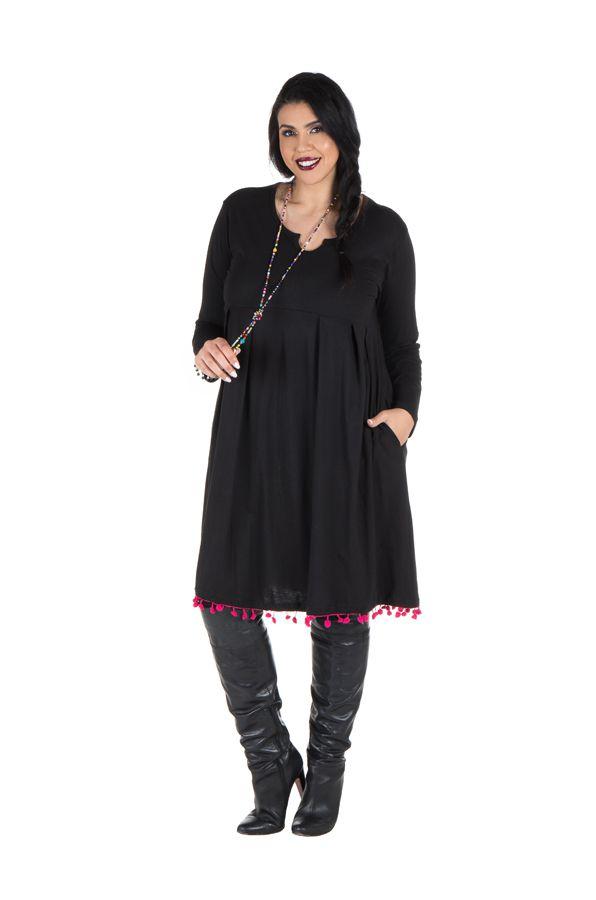 Robe noire unie avec col rond original Sauro 301250