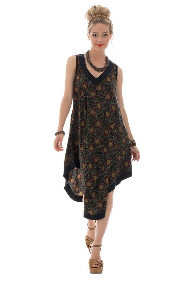 robe originale mi-longue avec col v et coupe asymétrique Vána 289843