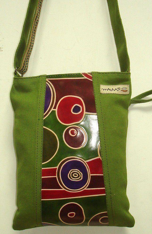 Sac Macha couleur verte à bandoulière en cuir et coton 304614